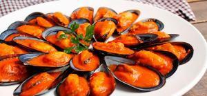 Mejillones en salsa de tomate y pimientos - Mosselen in saus van tomaat en paprika