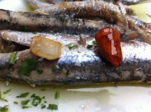 Bocartada Marinera - Ansjovis met knoflook en chilipeper