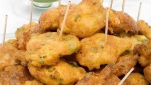 Buñuelos de pescado - Visbeignets met kruidenmayonaise