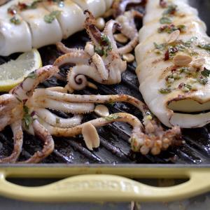 Calamares a la parrilla en vinagreta - Gegrilleerde pijlinktvis in vinaigrette