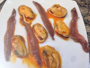 Mejillones con anchoas - Mosselen met ansjovis in witte wijnsaus