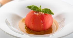 Tomate relleno de tuna - Tomaat gevuld met tonijn