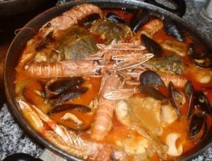 Romesco de peix - Visschotel met amandelsaus