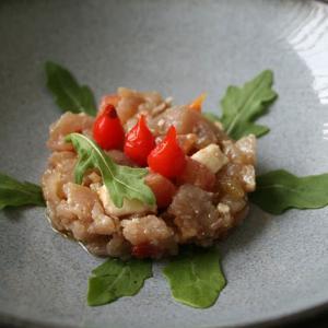 Tartar de atún con tomate confitado - Tonijntartaar met geconfijte tomaat