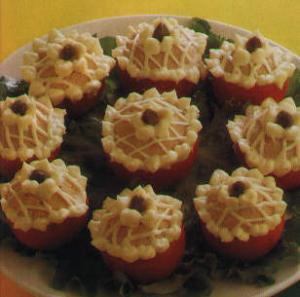 Tomates con atun - Tomaten gevuld met tonijn