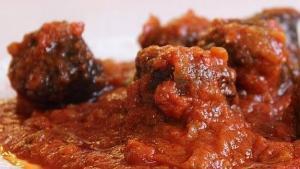 Morcillo con tomate y ajo - Bloedworst met tomaat en knoflook