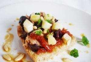 Tostada con Tomates confitados y Queso - Toast met gekonfijte tomaatjes en kaas