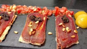 Mojama con Pasta de Aceitunas - Mojama met Olijvenpasta