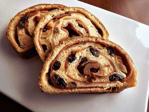 Pan con Jamón y Aceitunas - Brood met ham en olijven